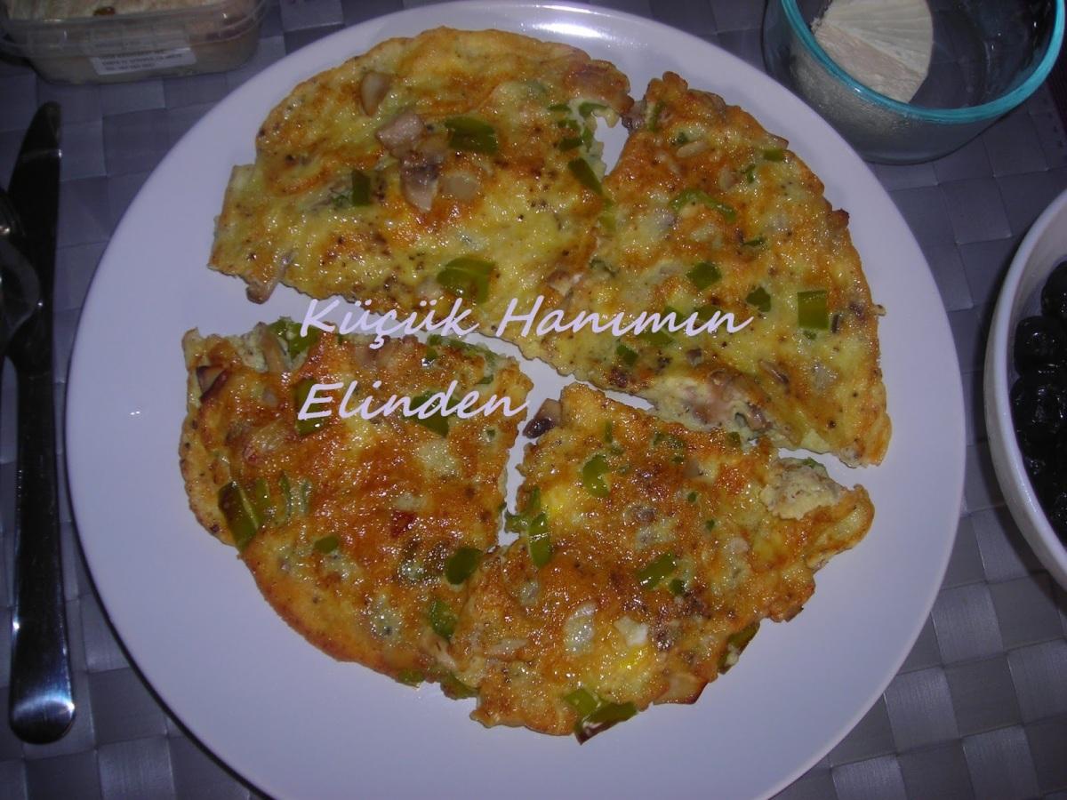 Mantarlı, Biberli ve Peynirli Omlet