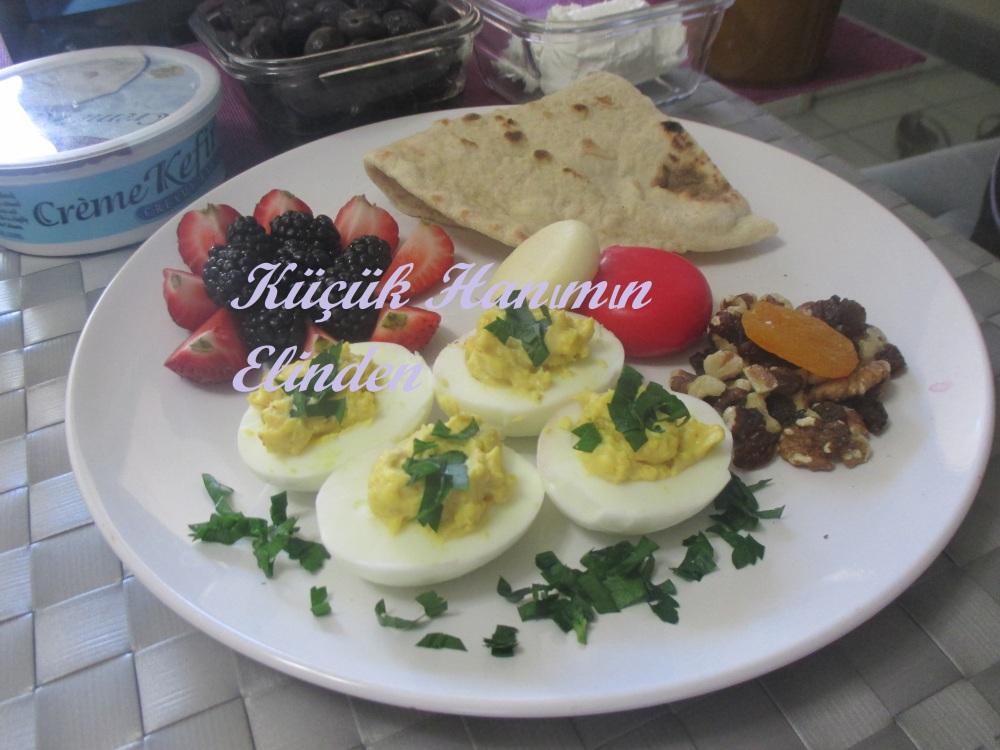Hardallı Yumurta Dolması